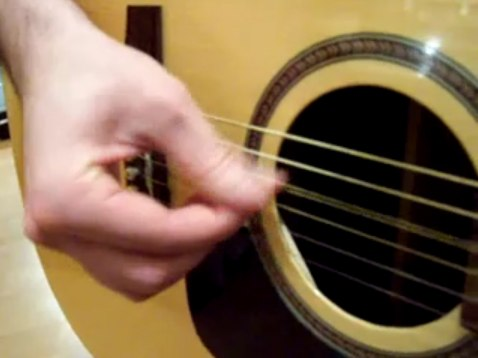 apprendre le fingerpicking à la guitare