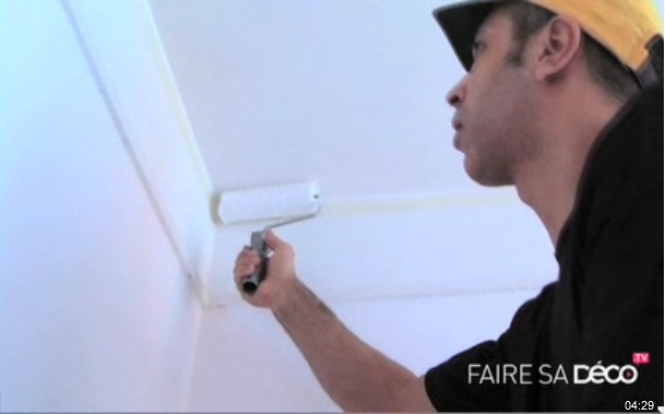 astuce pour peindre un plafond sans trace. Black Bedroom Furniture Sets. Home Design Ideas