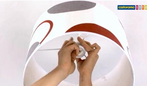 Lectricit apprendre facile for Fixer un luminaire au plafond